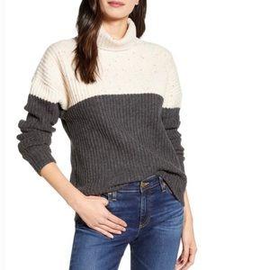 Chelsea 28 Colorblock Turtleneck Speckle Sweater